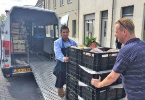 Konincks Retail steunt de voedselbank. Zowel AH Koudekerk als AH Utrecht steunen wekelijks de voedselbank met producten